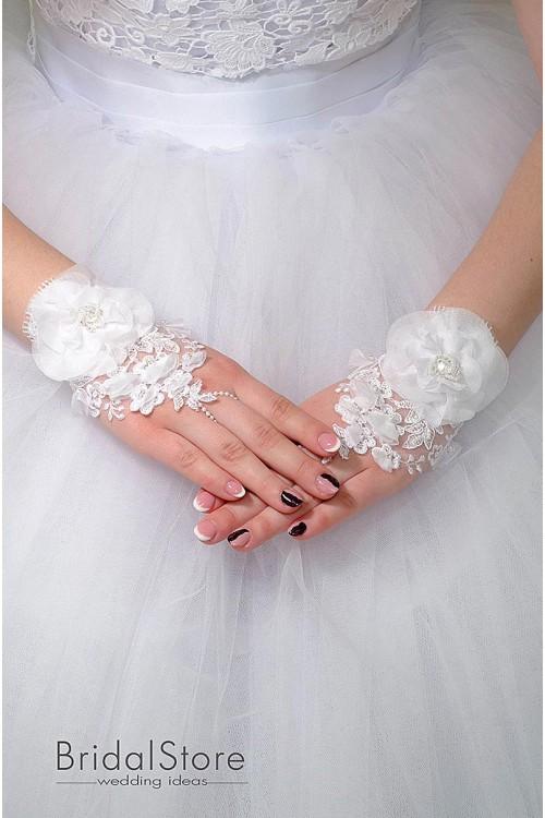 P01 короткие свадебные перчатки с цветком
