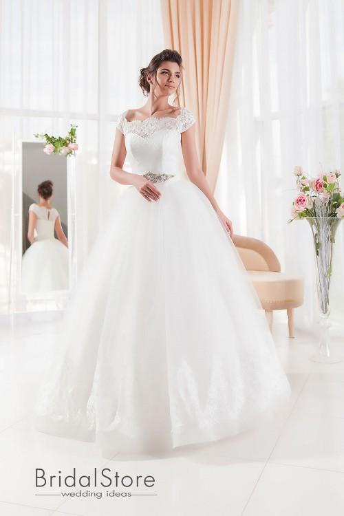 Daniela – современное свадебное платье с пышной, кружевной юбкой