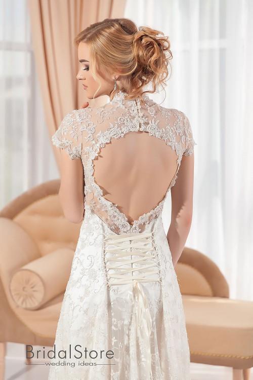 Laura - кружевное свадебное платье с  короткими рукавами