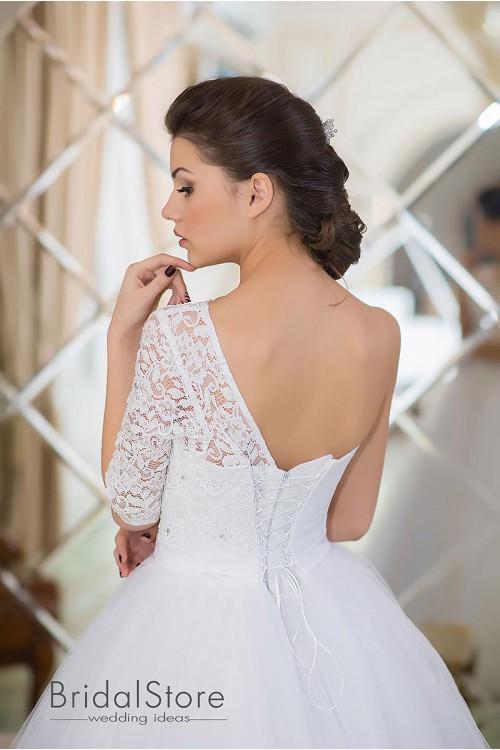 Kinley - пышное свадебное платье с одним рукавом