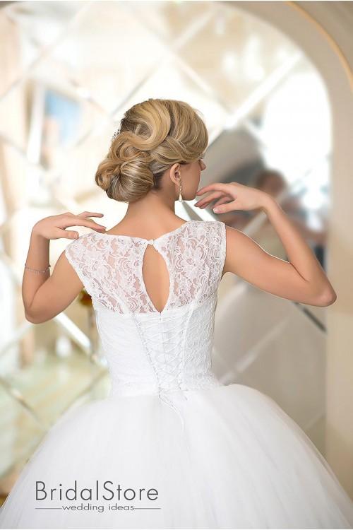 Ada - прелестное пышное свадебное платье с кружевной юбкой
