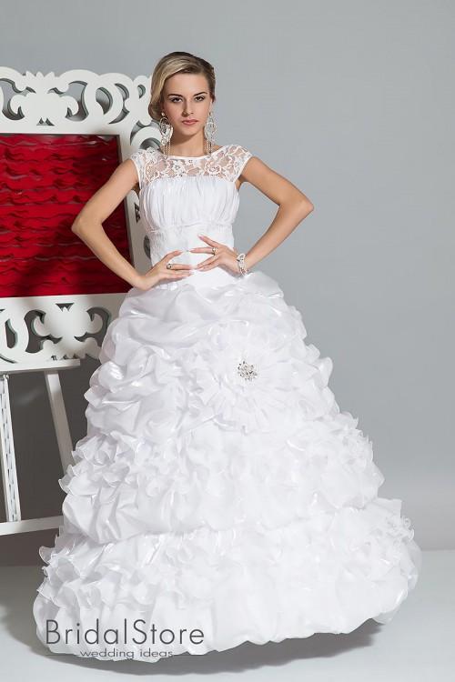 Maya  - пышное свадебное платье с блестящей юбкой