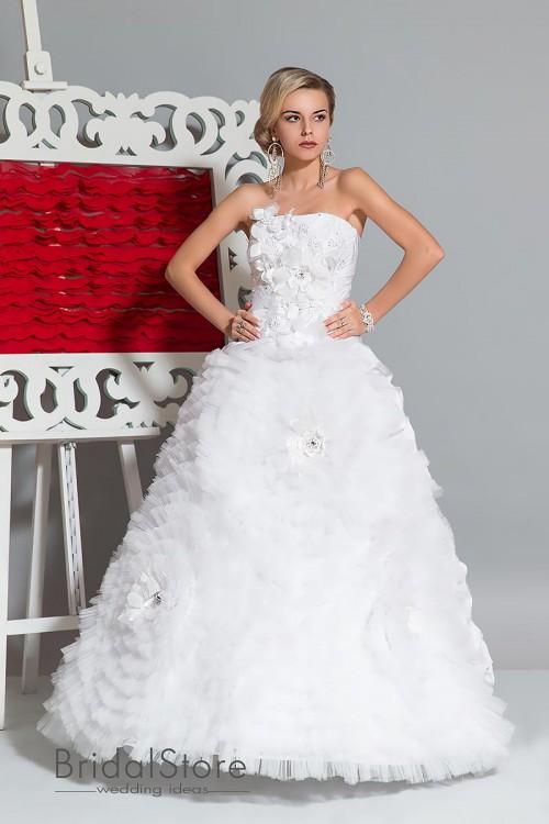 Kamilla - пышное свадебное платье с большим цветами